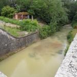 Ancienne piscine communale sous le canal
